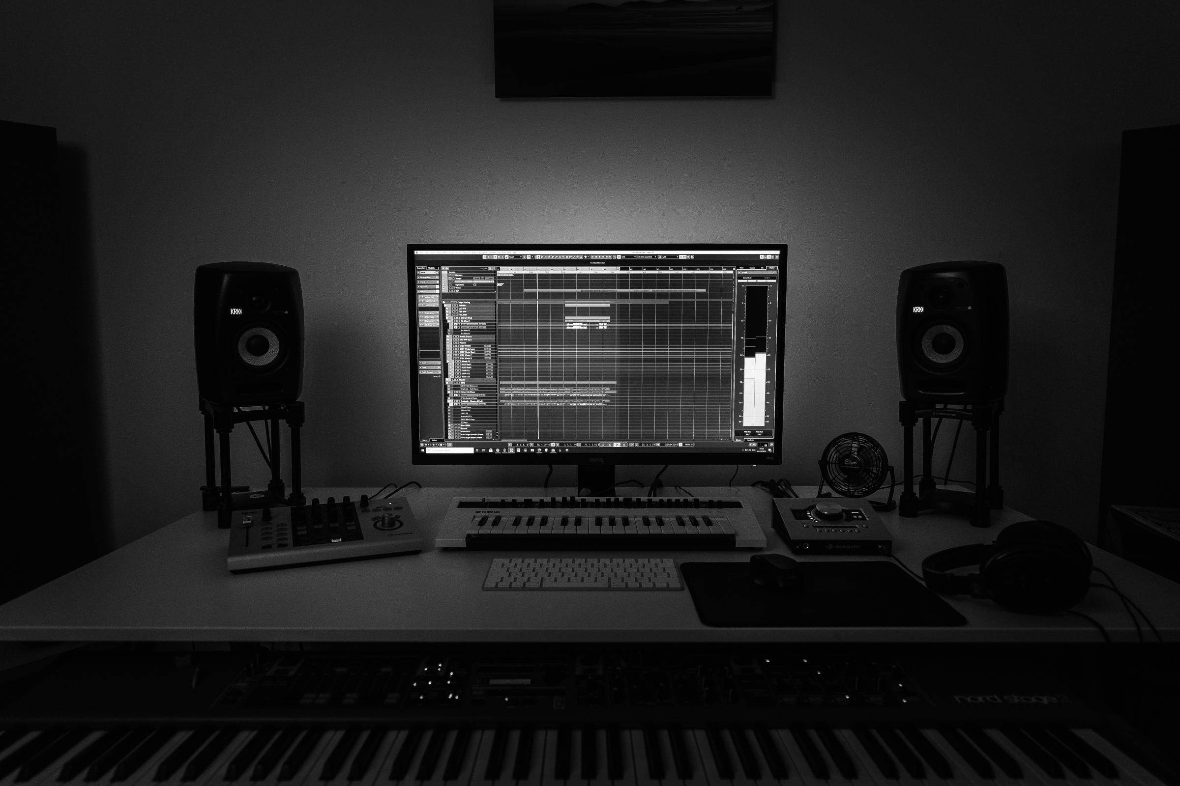 Home Studio BW